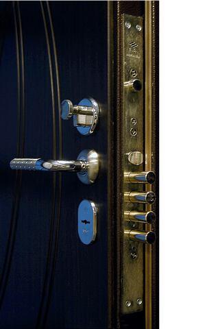 Замок «CIZA 57.986.48» Ручка «Крит РФ-6468» Декоративная накладка «CIZA 06.144.1.18» Цилиндровый механизм «Апекс»