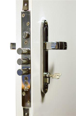 Замок «Крит ЗВ-7РК-004» Ручка «Апекс 001» Цилиндровый механизм «Апекс»